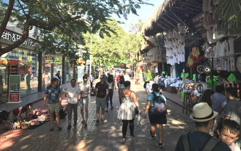 Caminando en Playa del Carmen