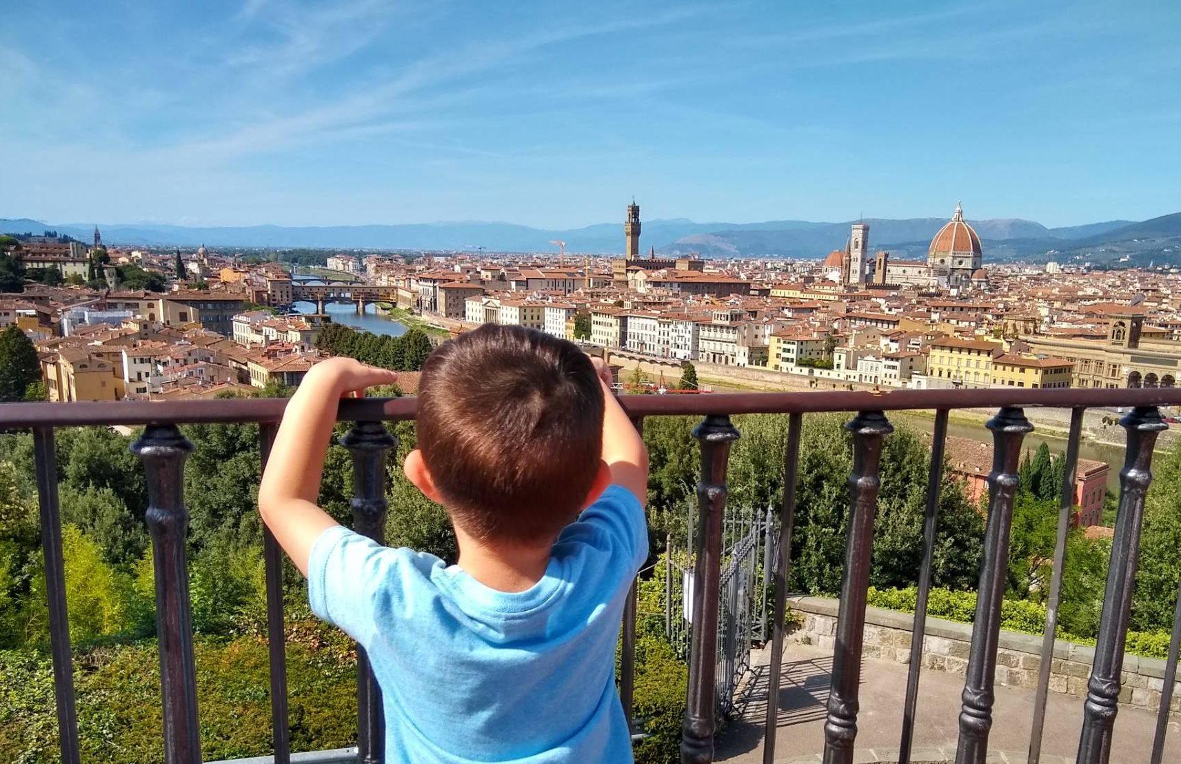 Fran mirando hacia Florencia